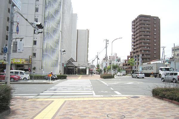 JR神戸駅より